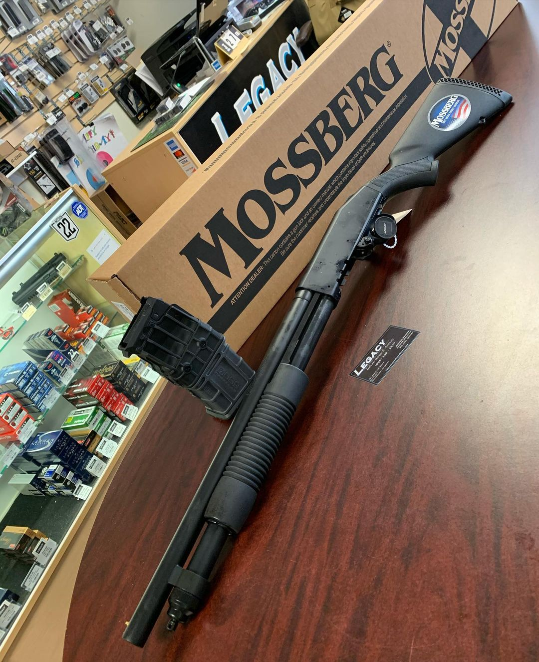 """<h3 style=""""color:#ffffff;"""">Disassemble the Mossberg 590-series shotgun for cleaning</h3>"""
